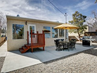 Summer Ready! Amazing Location, remodeled by UNM/Nob Hill - 3br/ 3 FULL bath