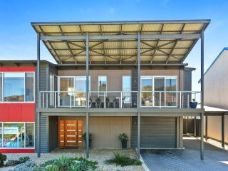RiverSea - Goolwa Beach House + WiFi + Pet-Friendly