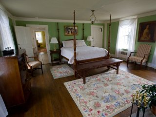 Inn at Mount Hope Farm - Byfield Room