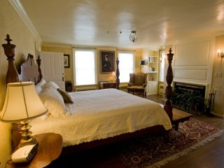 Inn at Mount Hope Farm - Haffenreffer Room