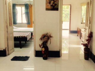 Furnished apt w. 2 bed rooms close to New Alipore petrol pump