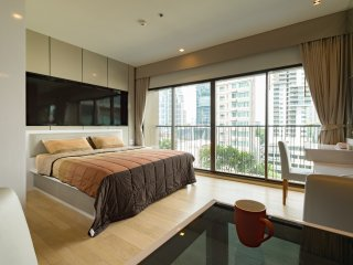 Lux 3min BTS fully equipped studio w/ pool & gym