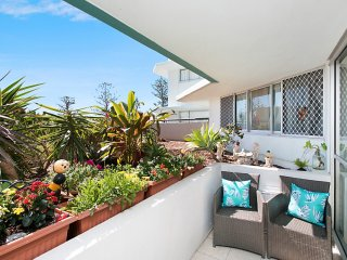 Ocean Plaza 115 - Coolangatta Beachfront!
