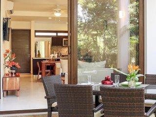 TAO Comfortable Garden Condo with Golf View