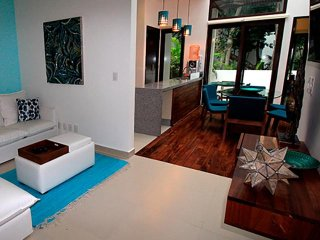 Mayan Luxury Family Townhome – Pool, Spa, Golf