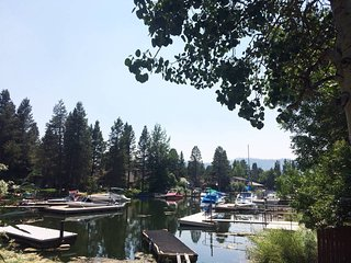 South Lake Tahoe Keys Waterfront Beauty - Fully Remodeled, pool table and fun!