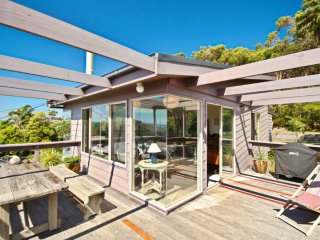 Tulip 17 -  Amazing Views at Hyams Beach