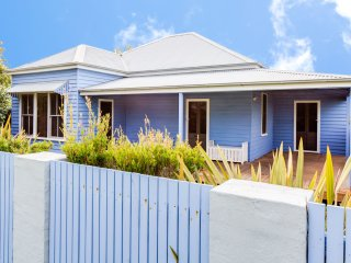 Blue Belle at Huskisson - Pay for 2, Stay for 3 + 4pm Check Out Sundays