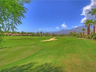 155LQ Fairway view With a horseshoe pit