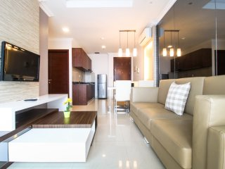 2 BR Deluxe Denpasar Residence Apartment By Travelio