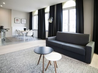 Louise 401 apartment in Saint Gilles with WiFi.