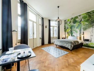 Spacious Grand-place 402 apartment in Brussel centrum with WiFi, balkon & lift.