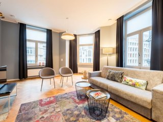 Grand-Place 301 apartment in Brussels Centre with WiFi, private terrace & lift.