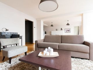 Spacious Monnaie 203 apartment in Brussels Centre with WiFi & lift.