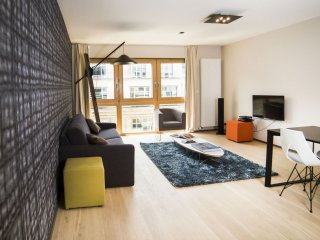 L42 501 apartment in European Quarter with WiFi & lift.