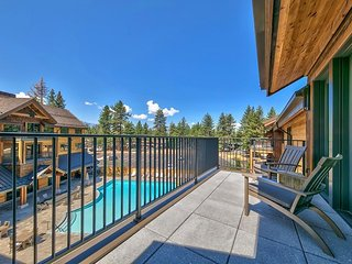 3 Br 3 Ba Luxury Condo. Walk to South Lake Tahoe!