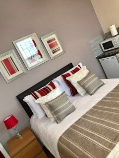 **Parkfield Deluxe Studio Three - HIP Apartments**