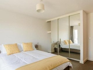 River Thames Two bed Apartment