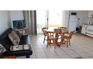 Apartment To Let: Margate, Margate, KwaZulu Natal 1935289 / JPGG-2391