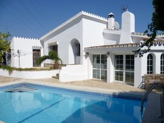 11647 - Private cosy villa in Marbella area