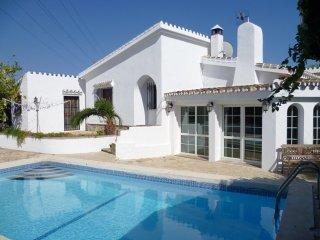 11647 - Private cosy villa in Marbella area