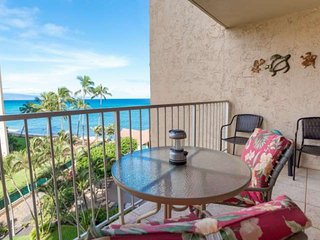 Ocean View, Air Conditioning, Lanai, Oceanside Pool, Free WiFi & Parking