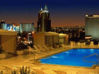 LAS VEGAS {Cozy Studio} Polo Towers Resort ~ ROOF TOP POOL ~ BEAUTIFUL VIEWS