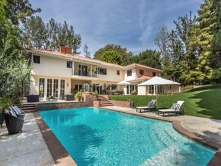 Beverly Hills 1 Acre Estate + Pool