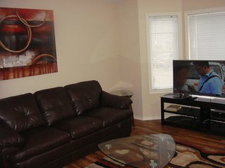 Furnished 4 bedroom Townhouse in Stonebridge Area, Saskatoon