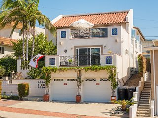 NEW Modern 3 Bedroom Villa in the heart of San Clemente