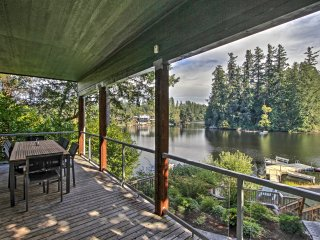 Renovated 3BR Olympia Cabin w/Private Dock on Lake