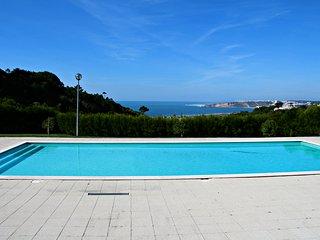 Casa de ferias para alugar | 3 Quartos | Vista do Oceano e Piscina Comum | Perto