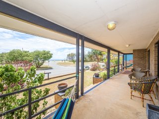 Opposite waterfront with spectacular northern views - 68 Boyd Street, Woorim