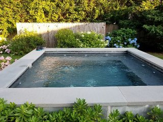 Luxury Southampton 4BR Pool And Jacuzzi close to Beaches & Town