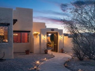 Gorgeous Santa Fe Style Home With Private Hot Tub Located in Cornville