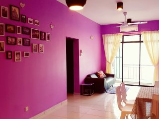 ★Comfy★3BR | 5Min walk to Capital 21/Kilang Bateri