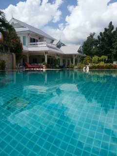 Club House With Large Salt Water Pool &Spa.