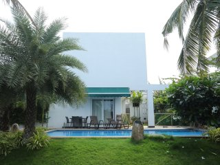 Coral ECR Beach House with Swimming Pool