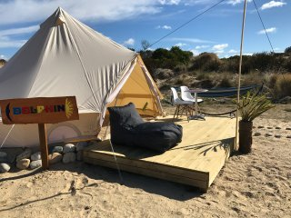 Pachamama Retreat - Beach Front 'Glamping Dolphin'