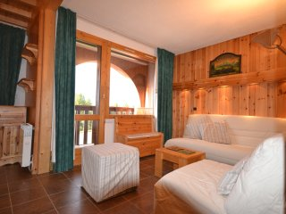 Duplex Apartment in Les Coches-La Plagne close to the piste, lifts and village