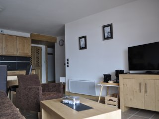 Luxury 2 bedroom apartment in Valmorel, summer/winter ski in Ski out