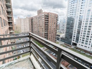 STRIKING 2BR-1BA APT IN ONE OF THE BEST SPOTS OF THE UWS-BALCONY-DOORMAN-PET FND