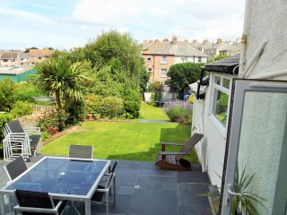 Large Victorian Town House With Sea View And Beautiful Garden. Pet Friendly