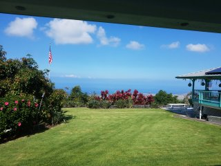 Beautiful, Quiet, Grand Ocean View in the cool Mountain above Kona
