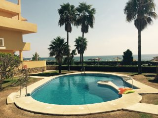 Arruzafa Beach Apartment Cala Mijas Butiplaya 1st line of beach, pool, sports