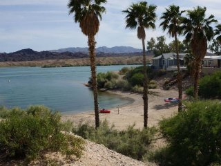 Lake Havasu Hideway! Boatslip & Private Launch Ramp