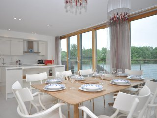 44200 House in Lechlade-on-Tha