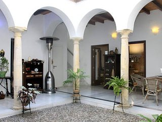 Casa-Patio Axerquia. Loft 'La Bodega'