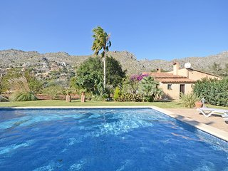 COUNTRY HOUSE WITH POOL IN FANTASTIC SURROUNDINGS, NEAR OLD CITY POLLENSA