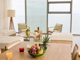 Penthouse Suite 2 - Next To The Pacific!